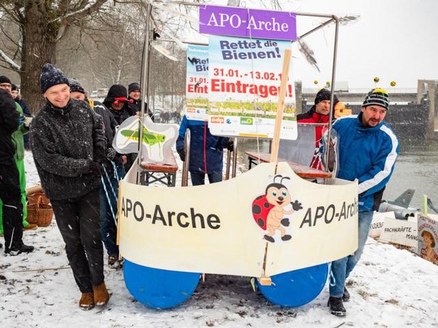... die Arche konnte nach Bertoldsheim transportiert werden