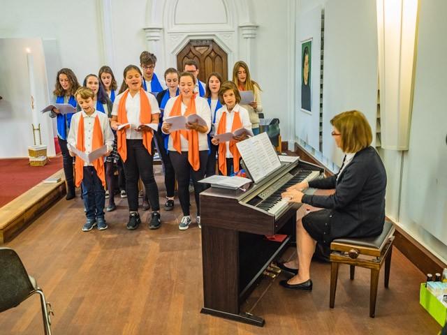 Anna's Angels: der Jugend-Gospelchor der Chiesa Cristiana Protestante