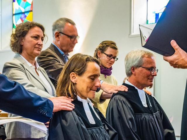 Segnung des neuen Pfarrerehepaars