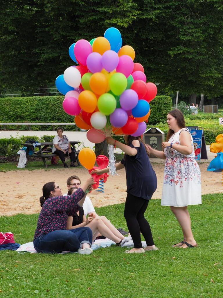 Verteilung der Luftballons