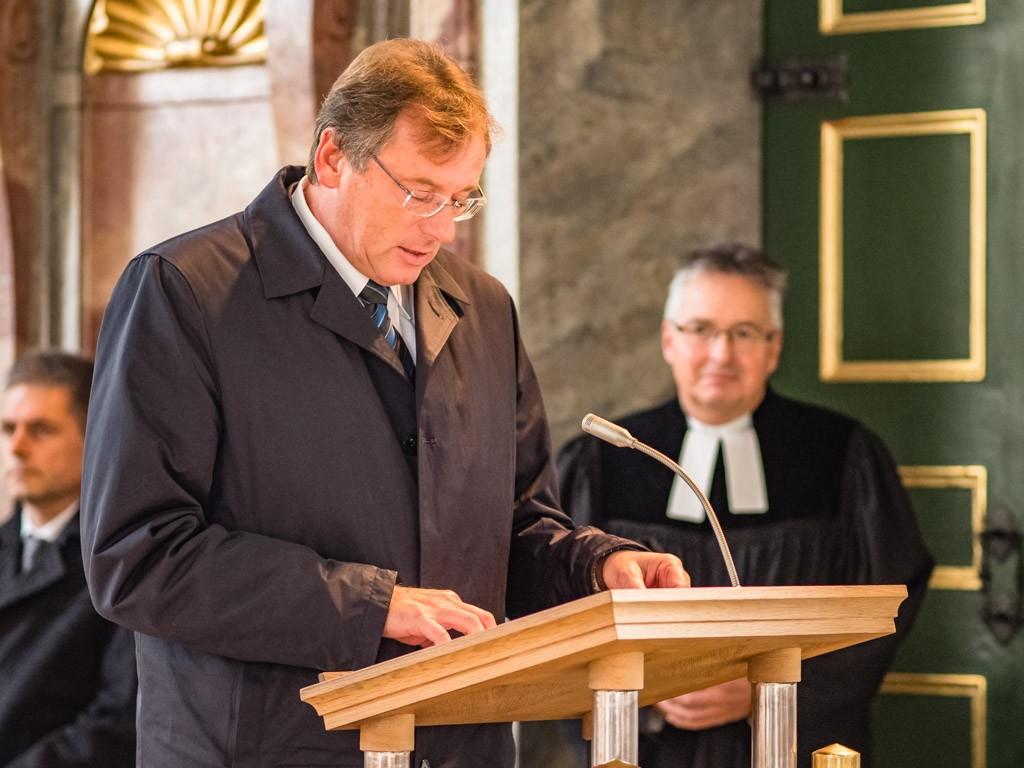 Oberbürgermeister Dr. Bernhard Gmehling mit einem Grußwort
